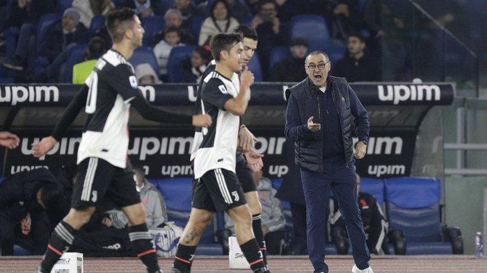 Pemain Juventus berselebrasi kala berjumpa AS Roma