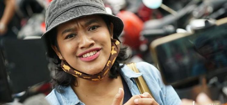 Siti Fauziah alias bu Tejo di film Tilik