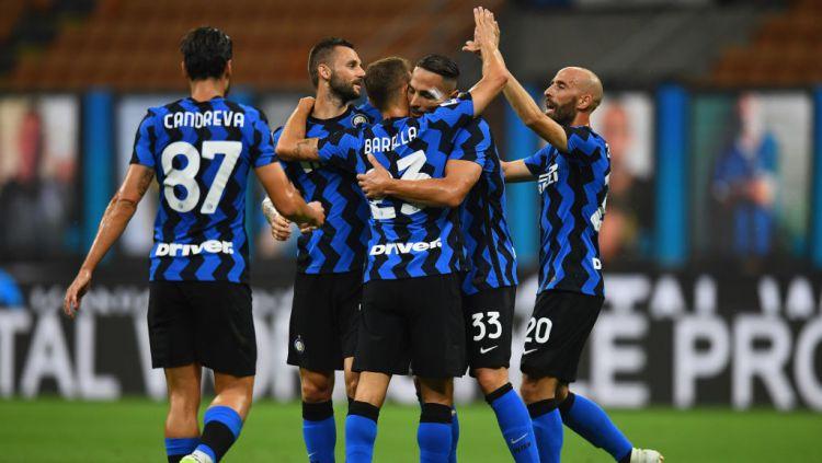 Skuad Inter Milan melakukan selebrasi goal
